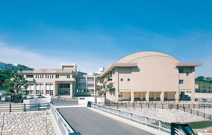 黒崎中学校
